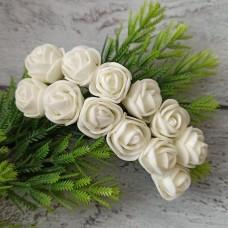 Роза латекс молочна 2 см. 12 шт.
