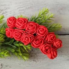Роза латекс червона 2 см. 12 шт.