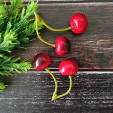 Гілочка ягід вишні (ягода 2 см.)
